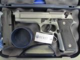 Beretta 92FS Inox (Stainless) 9mm JS92F500 - 1 of 8