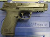 Smith & Wesson M&P45 .45ACP 109306 - 3 of 8
