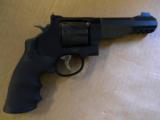 Smith & Wesson Model M&P Performance Center R8 8 Shot .357 Magnum - 2 of 5