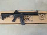 Smith & Wesson Model M&P15-22 AR-15 A1 Style Comp .22 LR 811033 - 1 of 6