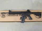Smith & Wesson Model M&P15-22 AR-15 A1 Style Comp .22 LR 811033 - 2 of 6