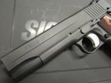 Sig Sauer 1911 Carry Fastback .45ACP - 6 of 8