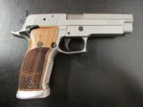 Sig Sauer P226 X-Five Race/Competition Gun .40 S&W - 1 of 8