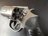 Ruger SP101 Double-Action .327 Federal Magnum - 6 of 9