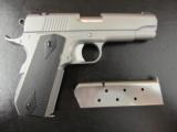Dan Wesson V-Bob Valor Series Stainless Commander 1911 .45 ACP - 1 of 7
