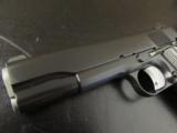 Dan Wesson Valor Full-Size 1911 Black .45 ACP - 7 of 9