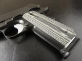 Dan Wesson Valor Full-Size 1911 Black .45 ACP - 4 of 9