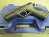 Smith & Wesson Model M&P9 Pro Series with Night Sights 178035 - 8 of 10