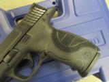 Smith & Wesson Model M&P9 Pro Series with Night Sights 178035 - 5 of 10