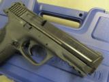 Smith & Wesson Model M&P9 Pro Series with Night Sights 178035 - 6 of 10