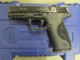 Smith & Wesson Model M&P9 Pro Series with Night Sights 178035 - 3 of 10