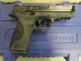 Smith & Wesson Model M&P9 Pro Series with Night Sights 178035 - 2 of 10