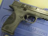 Smith & Wesson Model M&P9 Pro Series with Night Sights 178035 - 4 of 10