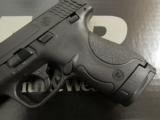 Smith & Wesson M&P9 Shield 9mm LUGER 180021 - 3 of 7