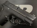 Smith & Wesson M&P9 Shield 9mm LUGER 180021 - 6 of 7