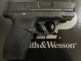 Smith & Wesson M&P9 Shield 9mm LUGER 180021 - 1 of 7