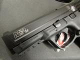 Smith and Wesson M&P 22 .22 LR - 7 of 9