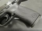 Smith and Wesson M&P 22 .22 LR - 4 of 9
