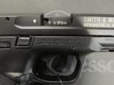 Smith and Wesson M&P 22 .22 LR - 6 of 9
