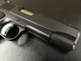 Dan Wesson Guardian Commander-Size 1911 Black 9mm 01985 - 7 of 9