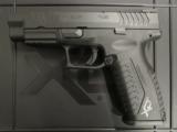 Springfield Armory XDM 4.5 .45 ACP/AUTO Black XDM94545BHC - 2 of 7