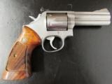 1980's Smith & Wesson Model 686 L-Frame .357 Magnum 4 - 2 of 8