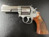 1980's Smith & Wesson Model 686 L-Frame .357 Magnum 4 - 1 of 8