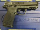 Smith & Wesson M&P9 with Thumb Safety 9mm 206301 - 2 of 8