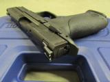 Smith & Wesson M&P9 with Thumb Safety 9mm 206301 - 5 of 8