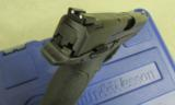 Smith & Wesson M&P9 with Thumb Safety 9mm 206301 - 8 of 8