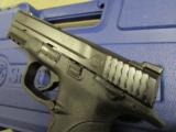 Smith & Wesson M&P9 with Thumb Safety 9mm 206301 - 6 of 8
