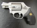 Smith & Wesson Model 637 Gunsmoke Wyatt Deep Cover .38 SPL - 2 of 7