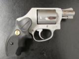 Smith & Wesson Model 637 Gunsmoke Wyatt Deep Cover .38 SPL - 1 of 7