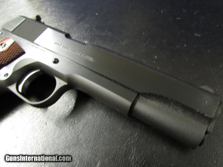 Colt Series 70 Blued with Walnut Grips 1911 A1  45 ACP