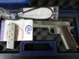 Colt XSE Series Lightweight 1911 Commander .45 ACP 04860XSE - 2 of 8