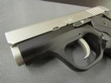 Like new Kimber Solo Carry Bi-Tone 9mm Luger 04589 - 4 of 8