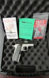 Kimber Master Carry Pro Commander-Size 1911 .45 ACP - 1 of 8