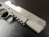 Colt Government 1911 Stainelss Rail Gun .45 ACP/AUTO 01070RG - 7 of 9