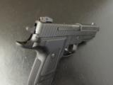 Sig Sauer P226 Elite Dark Threaded Barrel 9mm Luger/PARA. - 8 of 8