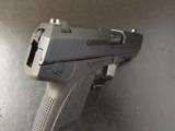 Heckler & Koch H&K USP Compact LEM SAF .40 S&W with Crossbreed Holster - 8 of 10