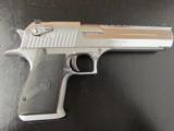 Magnum Research Desert Eagle Mark XIX Polished Chrome .357 Magnum - 3 of 8