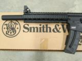 Smith & Wesson M&P 15-22 Integrally Suppressed .22 LR 3200062 - 6 of 8