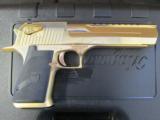 24kt Gold Magnum Research Desert Eagle Mark XIX .50 AE DE50GO - 3 of 8