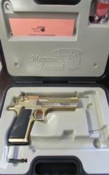 24kt Gold Magnum Research Desert Eagle Mark XIX .50 AE DE50GO - 1 of 8