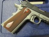 Colt 1911 Rail Gun Two-Tone w/ Rosewood Grips .45 ACP 01080RG - 4 of 9
