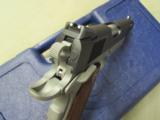 Colt 1911 Rail Gun Two-Tone w/ Rosewood Grips .45 ACP 01080RG - 9 of 9