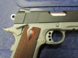 Colt 1911 Rail Gun Two-Tone w/ Rosewood Grips .45 ACP 01080RG - 5 of 9