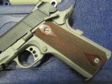 Colt 1911 Rail Gun Two-Tone w/ Rosewood Grips .45 ACP 01080RG - 3 of 9