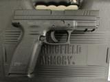 "Springfield XD Essential Package 4"" Black .40 S&W XD9102HCSP06 - 1 of 9"
