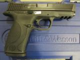 Smith & Wesson M&P40 w/Crimson Trace Laser Grips .40 S&W 220071 - 3 of 9